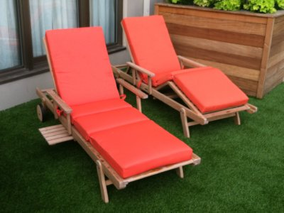 teak chaise with cushions